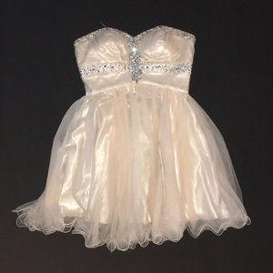 Strapless cream color prom dress, size 10